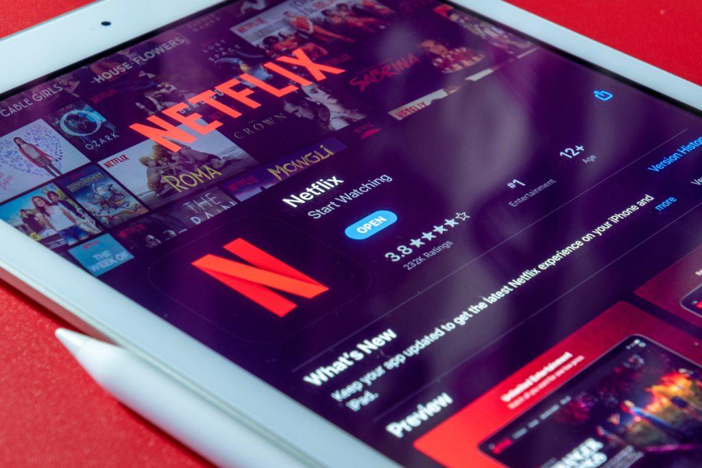 Netflix main contender streaming wars